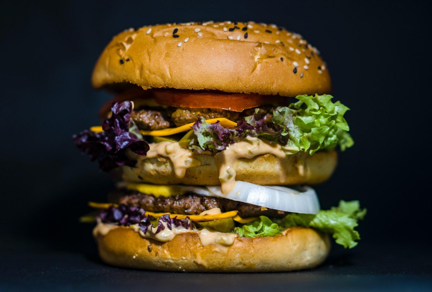 """Een """"hoge"""" hamburger"""