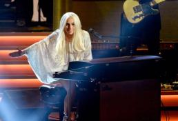 Lady Gaga performing at Stevie Wonder: Songs In The Key of Life – An All-Star Grammy Salute event on Feb. 10, 2015.