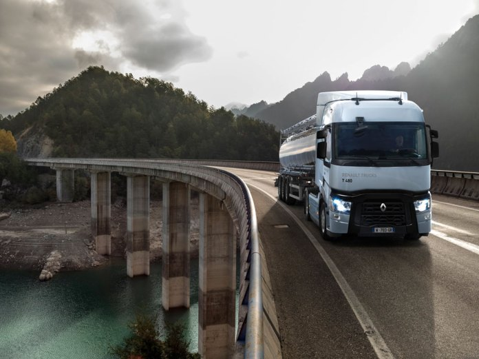 Renault-Trucks_T-High_2019