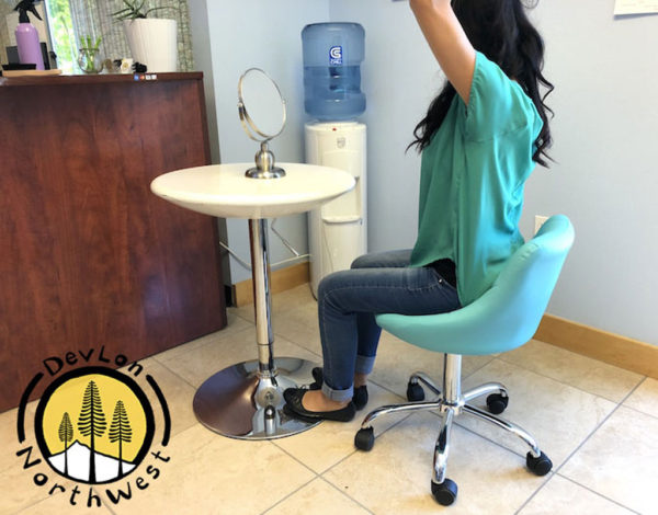 turquoise_rolling_stool_back_rest_2