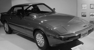 800px-Mazda-rx7-1st-generation similar wikipedia GNU free user license