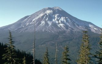 800px-St helens 1 day before eruption wikipedia public domain