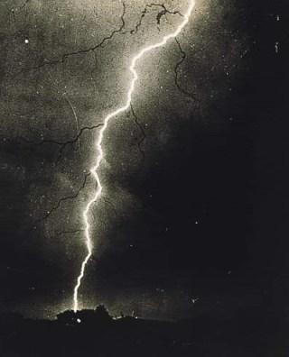 commons.wikimedia.org/wiki/File:Lightning_1882.jpg