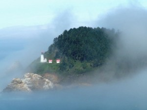 http://commons.wikimedia.org/wiki/File:Lighthouse_in_fog.JPG