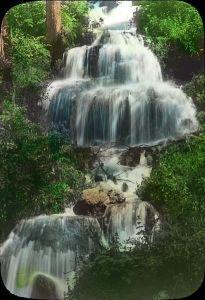 http://commons.wikimedia.org/wiki/File:Shasta_Springs-California_(3655767010).jpg