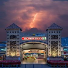 https://commons.wikimedia.org/wiki/File:Inkwazi_Shopping_Centre,_Malelane_Superspar.jpg