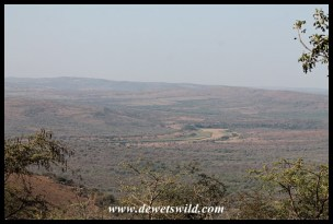 A view of the dry Black Umfolozi from Mpila