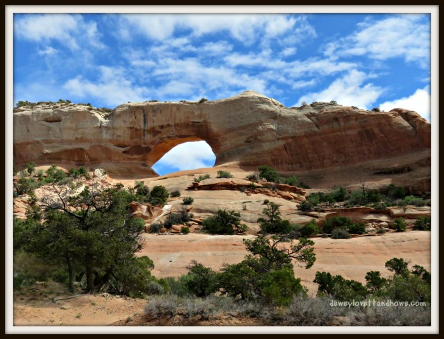 Wilson Arch Adjacent to US HWY 191 26 miles SE of Moab, UT