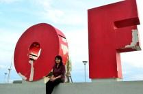 "Di antara tulisan ""City of Makassar"""