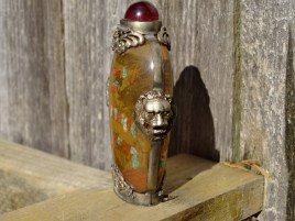 Snuff bottle, lion sides, hand painted