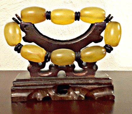Bracelet, yellow jade, stretch12