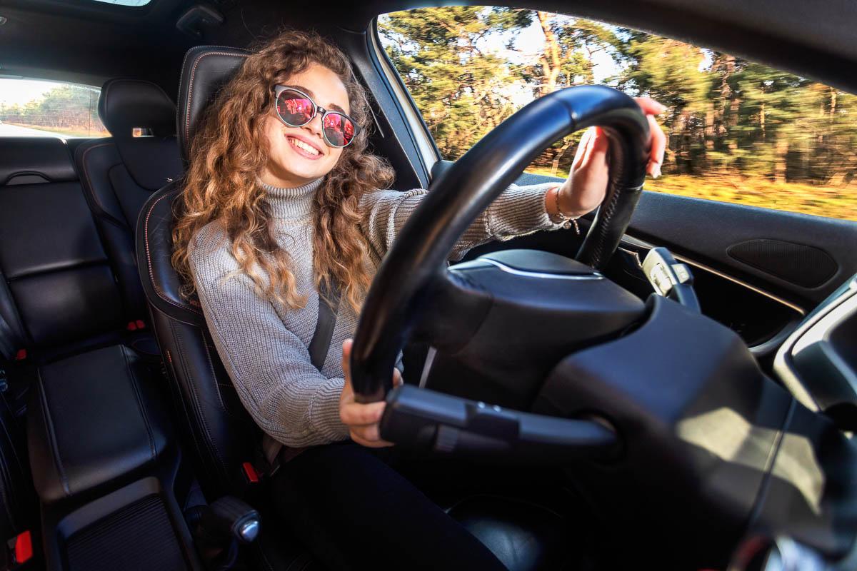 Autorijden: Fotografie voor een campagne van de rijksoverheid gericht op 18 jarigen
