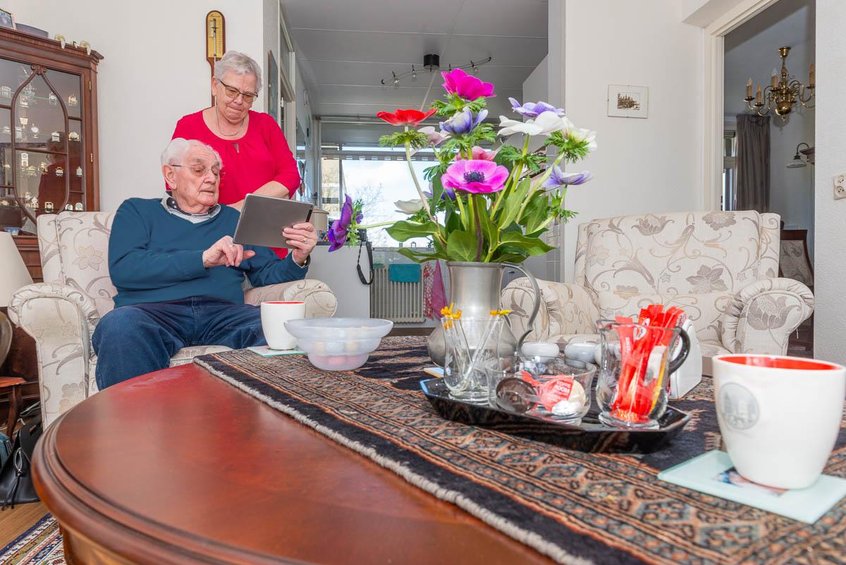 Portret van een gepensioneerd echtpaar voor APG Bouwpensioen magazine
