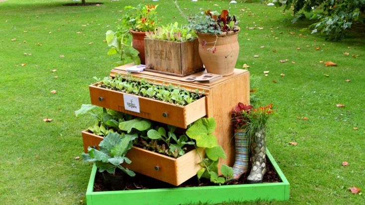 Garden Ideas From Recycled Materials 106