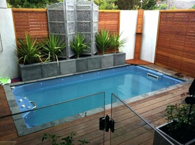 Incredible Small Backyard Swimming Pool Design