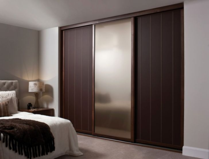 Small Bedroom Design With Sliding Door