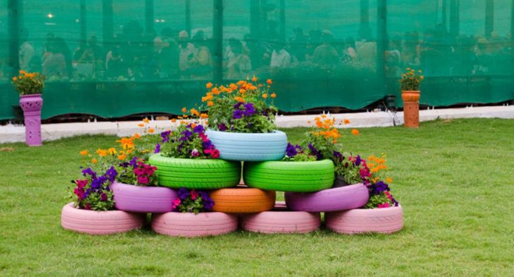 Fascinating Flower Tire Planters Ideas