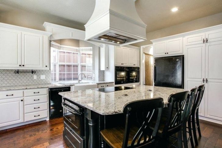 30 Elegant Black And White Kitchen Cabinet and Appliance ...