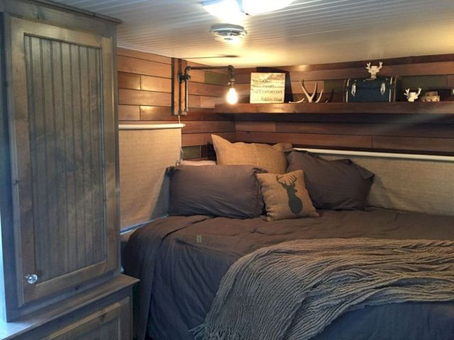 VIntage Bedroom RV Decoration