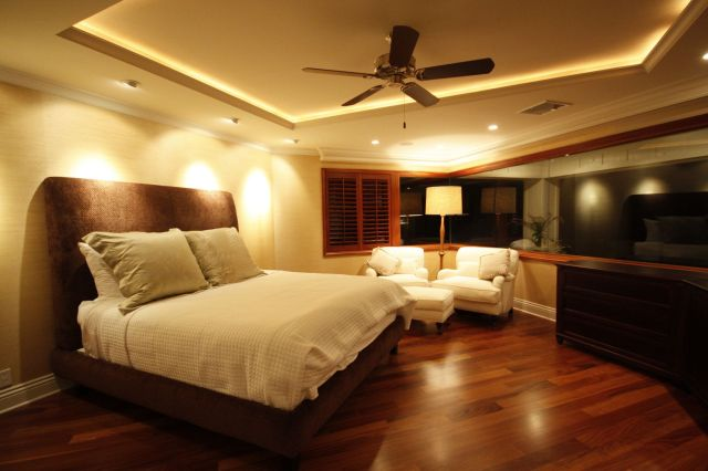 Lovely Small Modern Master Bedroom With Awesome Ceiling Light Design