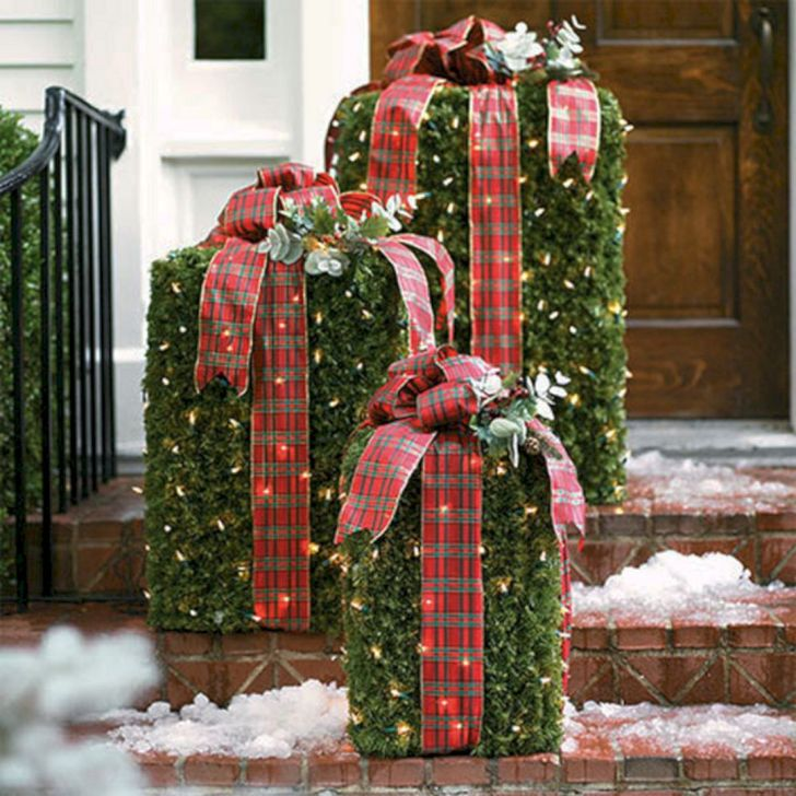 Outdoor Christmas Design