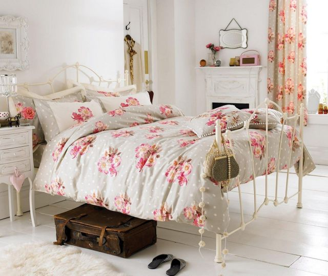 Bedrooms with beautiful Shabby Chic Designs