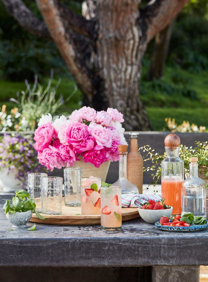 Elegant Outdoor Party for Suumer