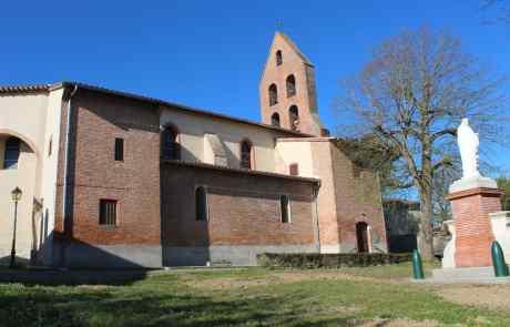 Eglise Sainte Marie Madeleine avec son clocher mur du Lauragais