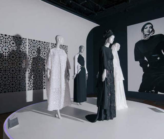 Mediating Faith And Style Museums Awake To Muslim Fashions