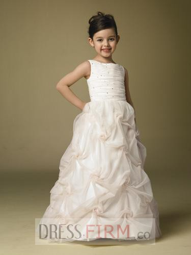 http://www.dressesfirms.co.uk/UK-Store-Sale-2017-delicate-princess-fashion-hottest-first-communion-flower-girl-dress-p-4846.html