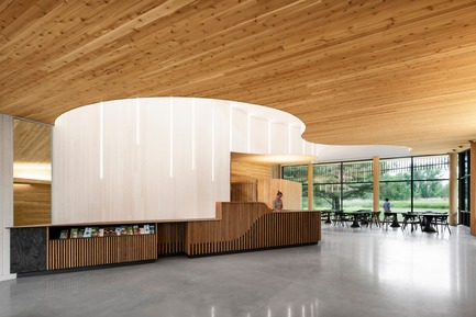Press kit   1117-03 - Press release   The Îles-de-Boucherville National Park Wins Several Architecture Prizes - Smith Vigeant architectes - Institutional Architecture - Welcome area and natural light - Photo credit: Adrien Williams