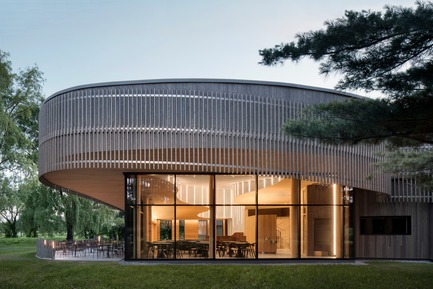 Press kit   1117-03 - Press release   The Îles-de-Boucherville National Park Wins Several Architecture Prizes - Smith Vigeant architectes - Institutional Architecture - The heart of the tree - Photo credit: Adrien Williams