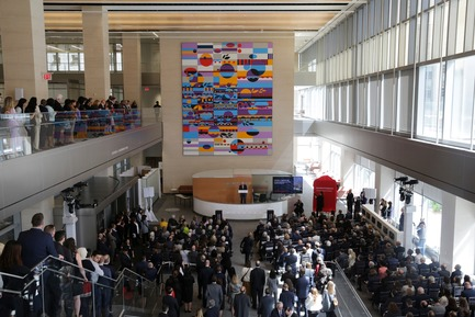 Press kit   1204-08 - Press release   NewYork-Presbyterian Opens a World-Class Center for Ambulatory Care: David H. Koch Center - Pei Cobb Freed & Partners - Institutional Architecture - Ribbon Cutting in the Koch Center lobby, 24 April 2018 - Photo credit: NewYork-Presbyterian Hospital