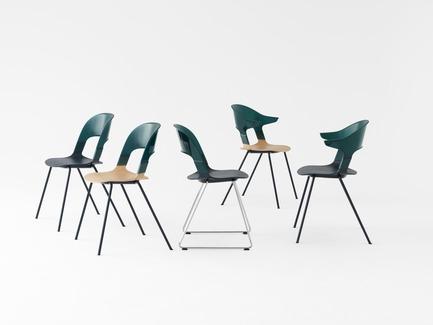 Press kit   809-21 - Press release   AZURE Reveals the Winners of the 2017 AZ Awards - AZURE - Competition - Pair Chair designed by Benjamin Hubert, Layer, London, U.K.<br>Manufacturer: Republic of Fritz Hansen, Allerød, Denmark<br>Best Furniture Design - 2017 AZ Awards - Photo credit: AZURE