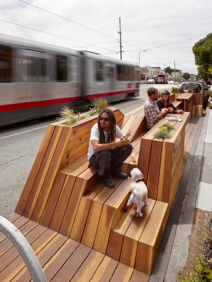 Press kit   1562-01 - Press release   Sunset Parklet receives Special Recognition in Urban Design Award - INTERSTICE Architects - Urban Design - Photo credit: Cesar Rubio