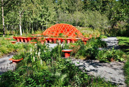 Press kit   837-10 - Press release   The 16th International Garden Festival at Les Jardins de Métis / Reford Gardens will BUZZ in 2015! - International Garden Festival / Reford Gardens - Landscape Architecture -  CONE GARDEN BOCKSILI<br>by&nbsp;Livescape [Seungjong Yoo, Byoungjoon Kwon, Hyeryoung Cho, Yongchul Cho, Iltae Jeong, Jinhwan Kim, Soojung Yoon, Byoungjoon Kim]<br>Seoul, South Korea<br><br>Planted with the bottom on top, orange construction cones serve as planters, speakers and benches. An original way to construct, deconstruct and reconstruct our environment.<br><br>www.livescape.co.kr    - Photo credit: Sylvain Legris