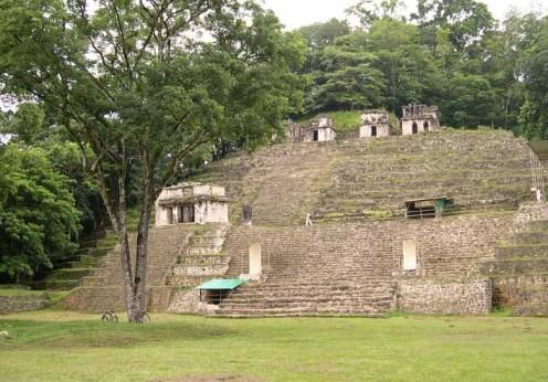 1280px-Bonampak_pyramid