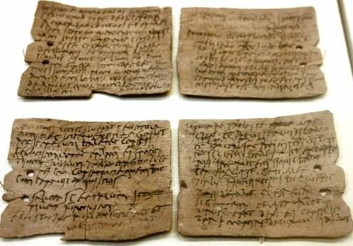 1280px-Roman_writing_tablet_02