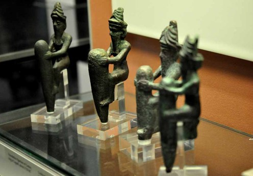 1920px-Four_statuettes_of_Mesopotamian_gods