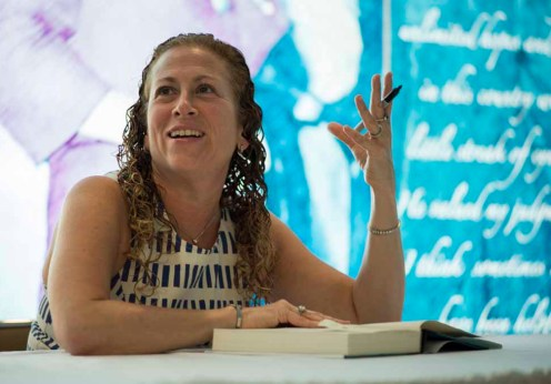 1920px-Jodi_Picoult_as_the_2013_Harry_Middleton_Lecturer_DIG13478-016