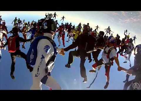 Aventură şi adrenalină în spaţiu