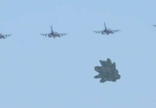 4 avioane militae si ozn