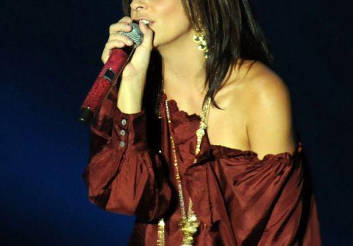 Country_singer_Sara_Evans