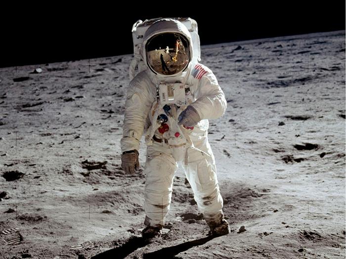 NASA a pierdut casetele originale ale primei misiuni Apollo pe Lună