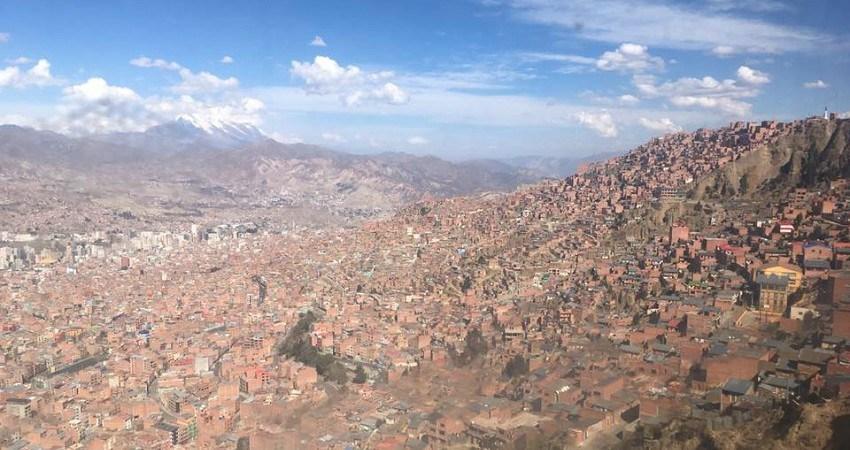 Praktikum in La Paz: Eine beeindruckende Stadt, wo es immer viel zu entdecken gibt. Blick auf die Stdat von den Hügeln von El Alto aus.