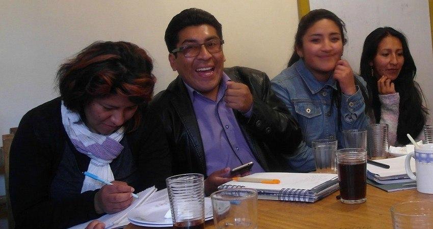 Menschenrechte in Bolivien: Die jungen Erwachsenen von CEADL berichten mir von ihrer Arbeit in El Alto.