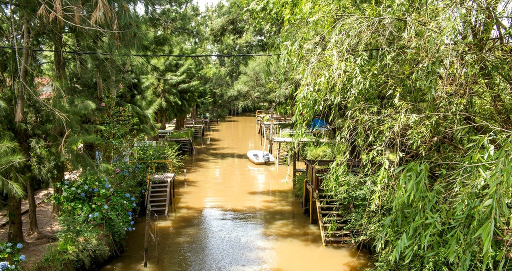 Am Besten entdeckt man das Tigre Delta bei einer langen Kanufahrt. Quelle: Flickr