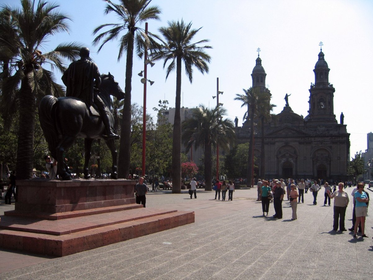 Santiago de Chile Sehenswürdigkeiten: Der Plaza de Armas ist auf jeden Fall eine Reise Wert! Quelle: Flickr.