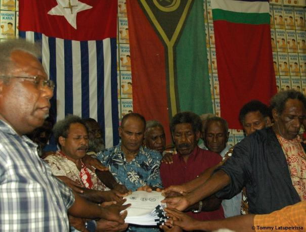 Praying over the Unity Day Declaration, 29 Nov 2007