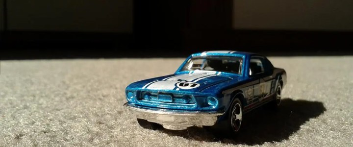 What scale are Hot Wheels cars?